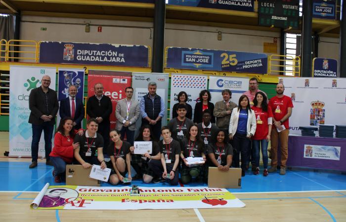 Giobots 19, del Colegio Giovanni Antonio Farina de Azuqueca de Henares, ganan la segunda competición de robótica para institutos organizado por el CEEI de Guadalajara y la Fundación Ibercaja¨
