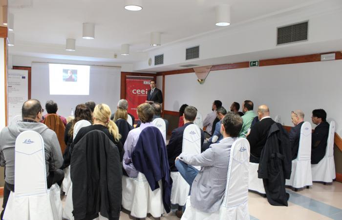 Empresarios y autónomos se reúnen en un nuevo encuentro de AzuNetWork¨