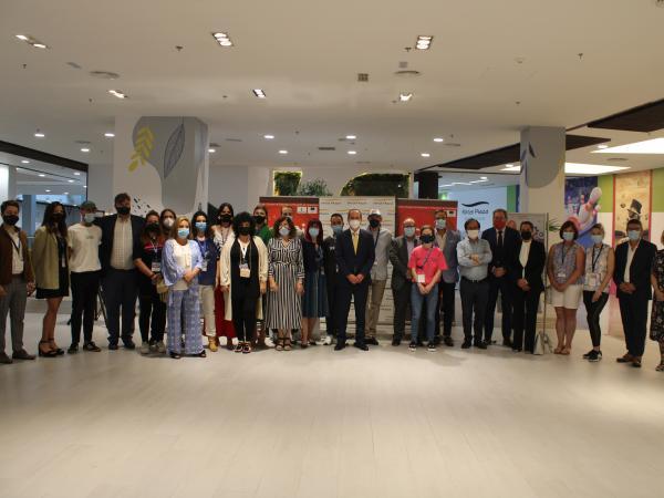 Ferial Plaza premia al mejor stand en la I feria de emprendedores
