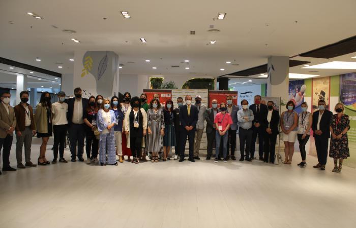 Ferial Plaza premia al mejor stand en la I feria de emprendedores ¨