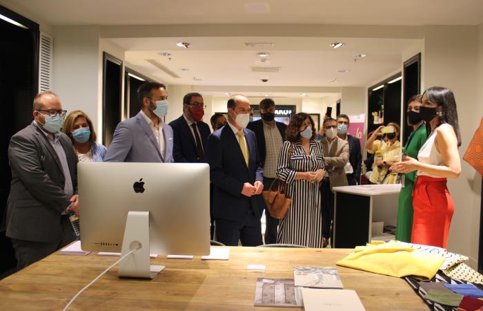 Inaugurada la 1º feria de emprendedores del centro comercial ferial plaza¨