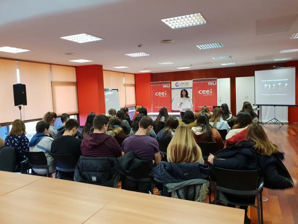 100 alumnos de diferentes cursos se forman en materia de emprendimiento e innovación de la mano del CEEI de Guadalajara