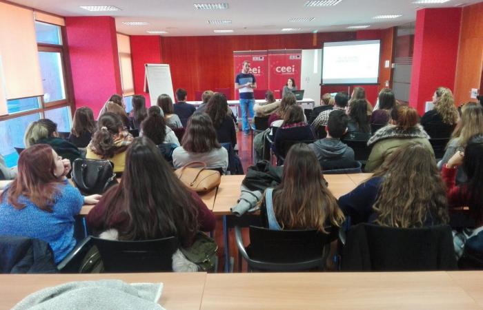 Los talleres para institutos del CEEI de Guadalajara, comienzan con la visita del colegio Diocesano Cardenal Cisneros¨