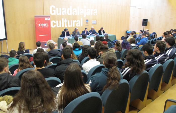 El CEEI de Guadalajara presenta la primera competición de robótica: Botschallenges de la provincia de Guadalajara¨
