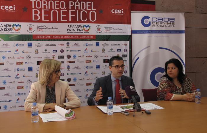 Presentado el torneo de pádel benéfico, una vida para Diego, contra la enfermedad de Duchenne¨