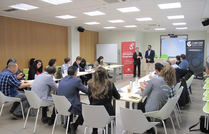 Azuqueca acoge una nueva edición de AzuNetWork con la participación de más de una veintena de empresarios¨
