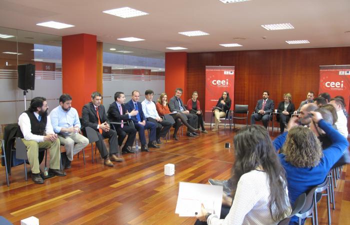 Alberto Rojo ofrece a las empresas del CEEI las iniciativas de apoyo empresarial y al emprendimiento impulsadas por el Gobierno regional¨