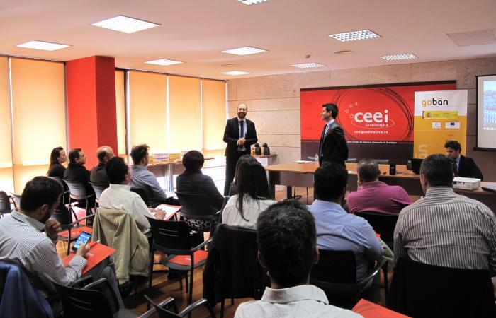 Emprendedores alcarreños aprenden como conseguir capital privado¨